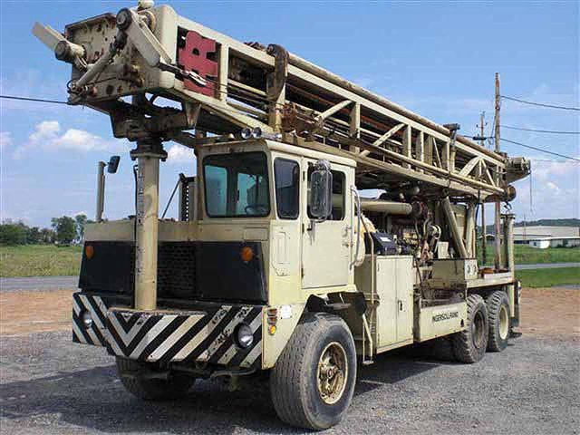 Ingersoll-Rand TH60 Drilling Rig on International F-5070 in Texas